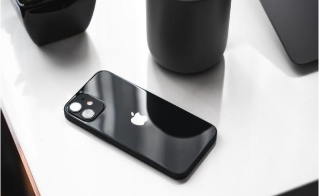 Невероятният iPhone 12